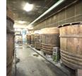 【立科みそについて】巨大な木桶の並ぶ味噌蔵